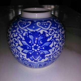 小蓝花瓷罐