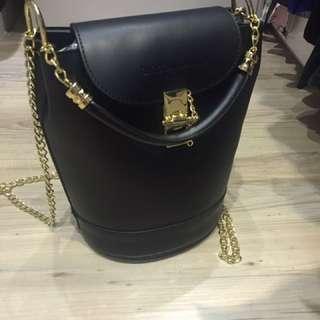🈹🈹🈹🈹Christian Laurier 3 way bucket bag