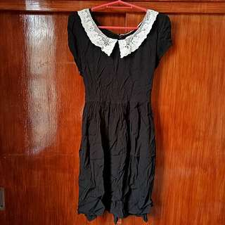Original Forever 21 black dress with lace collar