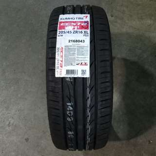 205/45/16 Kumho PS31 tyre