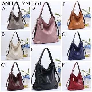 Tas wanita ORIGINAL BRAND  Berat 1 kg   Ready 8 pilihan warna : •Red    •Black  •Khaki •Blue •Grey   •Coffe •Pink    •Beige
