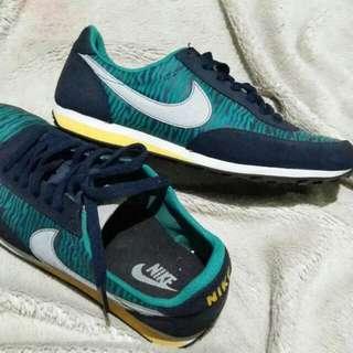 Nike Kecee