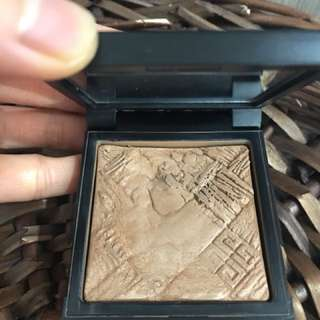 Givenchy  Contour Glow Powder