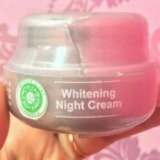 Cream malam wajah