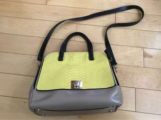 Furla shoulder bag 7成新