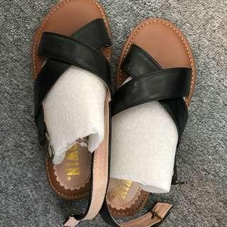 Sandals 涼鞋