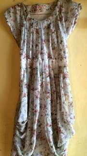 Dress pendek bunga bunga
