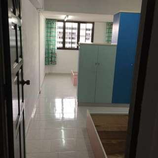 One bedroom high floor flat with living room space and kitchen.