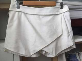 White Scort (shorts + skirt)