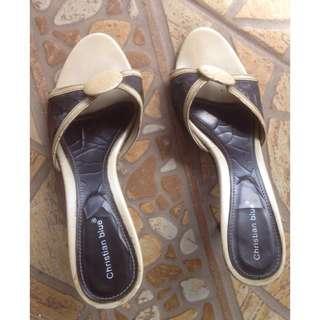 Sandal Cream Sz37