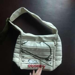 正版snoopy防水大容量側背包