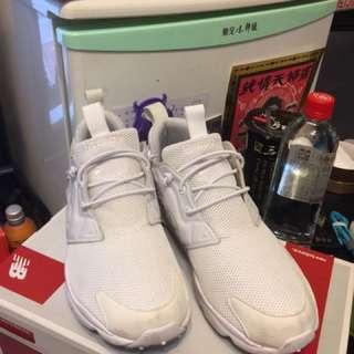 Reebok鞋