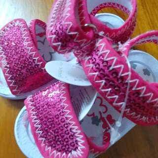 BNWT Fushia Baby Bubbles sandal