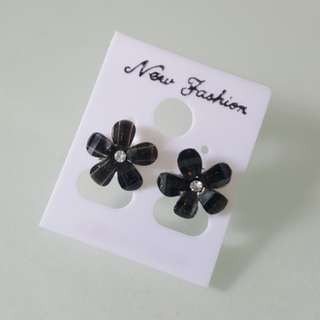 Brand new korean style flower ear ring