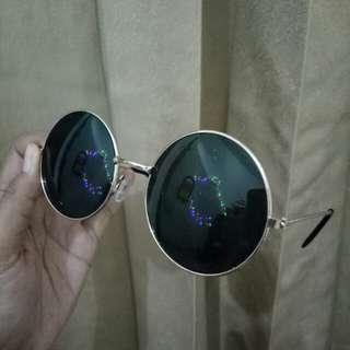 Kacamata John Lennon - John Lennon Sunglasses