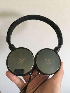 Audio-Technica ATH-ES7 Over-The-Ear Headphones