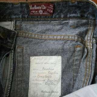 Marbolo Classics 正牌美國牛仔褲,28吋腰,37吋長。