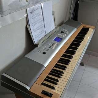 Yamaha Keyboard DGX-620