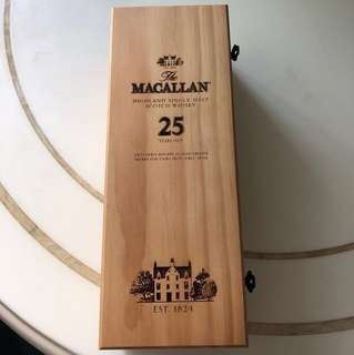 MACALLAN Highland Single Malt Scotch Whisky 25Years Old