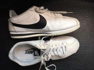 Nike cortez leather bw