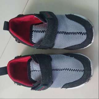 Sepatu Little M preloved insold 17cm