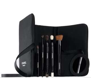Chanel Les Indispensables Brush Set [Authentic, lightly used once]