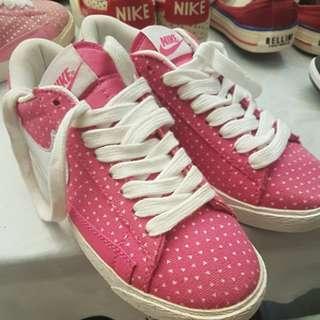 Pink Tua Nike 36