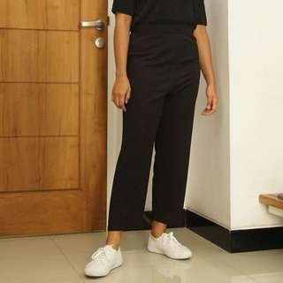 Simply Black Cropped Pants