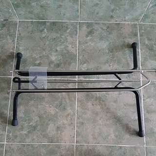 Freestanding vertical bicycle stand