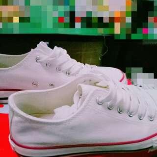 富布白帆布鞋