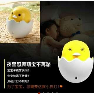 🚚 黃色小鴨自動控制小夜燈