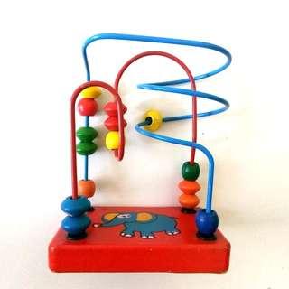 Mainan kayu edukasi