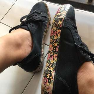 Bershka Shoes ( Black )