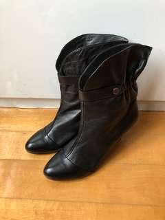 Elle leather boots size 6