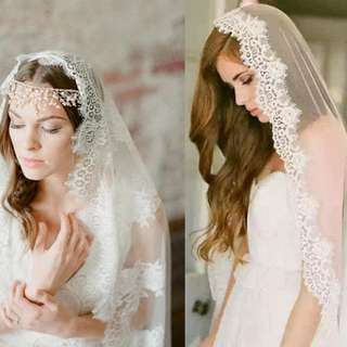 Simple lace wedding veil