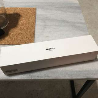 Apple Watch series 3 42mm brand new : non cellular