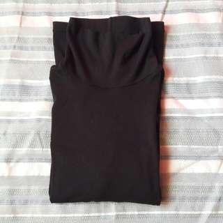 Uniqlo Plain Black Heattech
