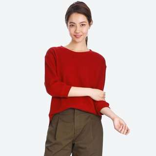 Uniqlo waffle crew neck 3/4 sleeve sweater in red