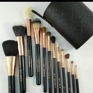 Sigma brush set with case