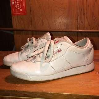 White Reebok's size 8 women's shoes