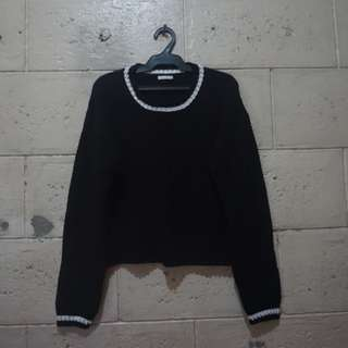 Knitted Semi-crop Sweater