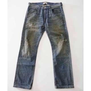 🚚 LEVI'S 501 排釦 仿舊質感 經典直筒牛仔褲 31腰