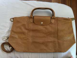 Authentic Longchamp cuir in camel