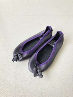 Girl's royal purple flat shoes
