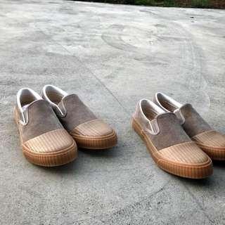 ‼️超新‼️美鞋‼️台灣老師傅製鞋所 藍染/駝色麂皮 懶人鞋 *41