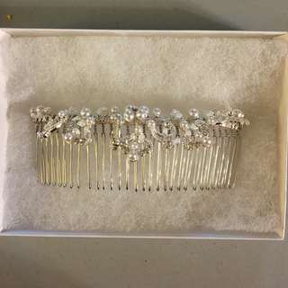 BRIDAL HAIR COMB WITH PEARLS AND CRYSTAL
