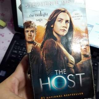 The Host by Stephenie Meyer/read description