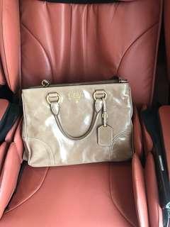 Prada bag in Cameo