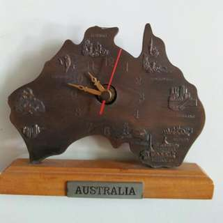 COLLECTABLE CLOCK FROM AUSTRALIA