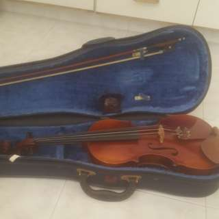 3/4 Violin With case, bow and neckrest